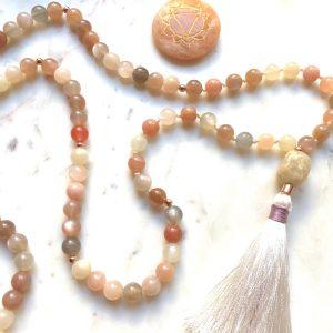 Il Mala, il conta preghiere per la recitazione dei mantra